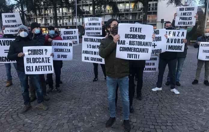 ristoratori protestano a rezzano