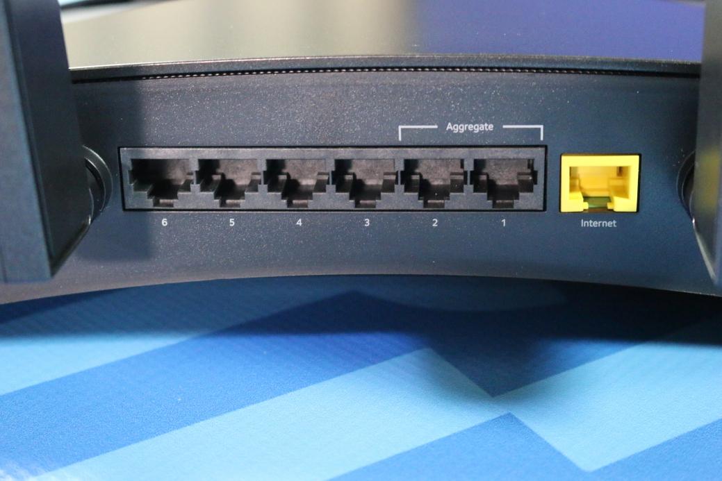 Netgear Nighthawk X10 AD7200 MU-MIMO Smart Wi-Fi Router (Review)   Poc  Network // Tech