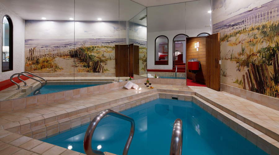 Guide To Pocono Palace Resort A Couples Only Resort In