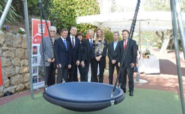 Inauguration de la balançoire PMR. Photo courtoisie (c) DR