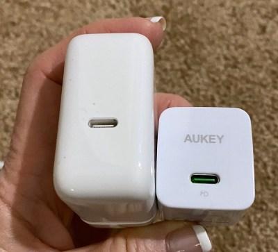 AUKEY vs Apple 30W
