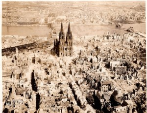 "The Dom Cathedral (Kölner Dom) in Cologne, Germany WWII, May 10th, 1945. ""Trolley Missions""...Kölner Dom in Köln, Deutschland WWII, 10. Mai 1945. ""Trolley-Missionen"" Par David C. Foster"