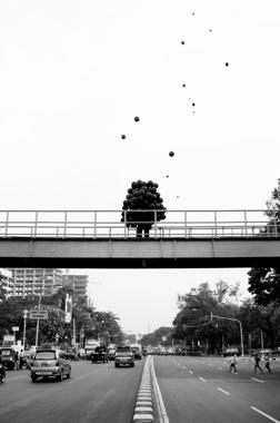 Roi Vaara - Balloon Man 1