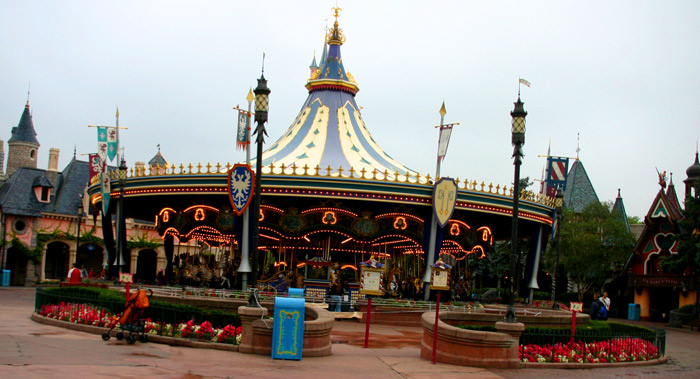 Carousel  DisneyLand-Park-19-Aug-2011 (photo by Gil Dekel)