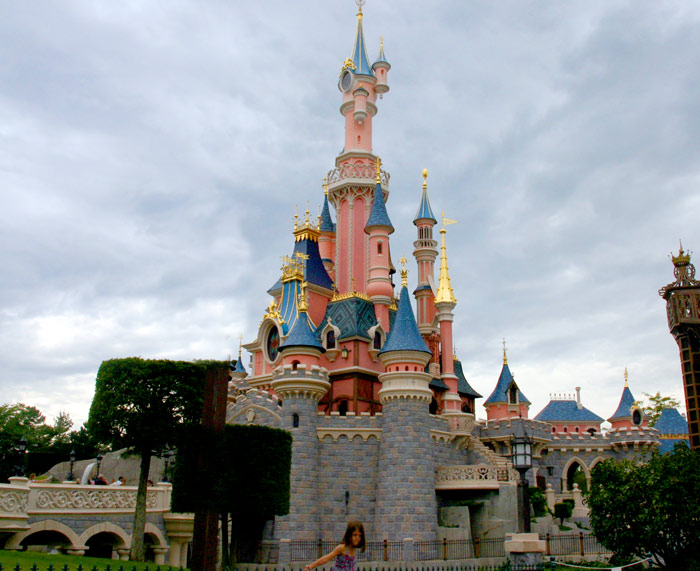 Castle6 DisneyLand Park 17 Aug 2011 (Photo by Gil Dekel) (47)