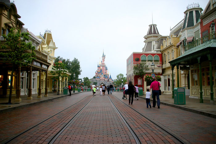 Main Street2 DisneyLand Park 19 Aug 2011 (Photo by Gil Dekel) (10)