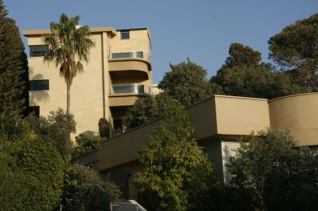 Typical architecture in Haifa, Israel. (Photo: Gil Dekel, 2015).
