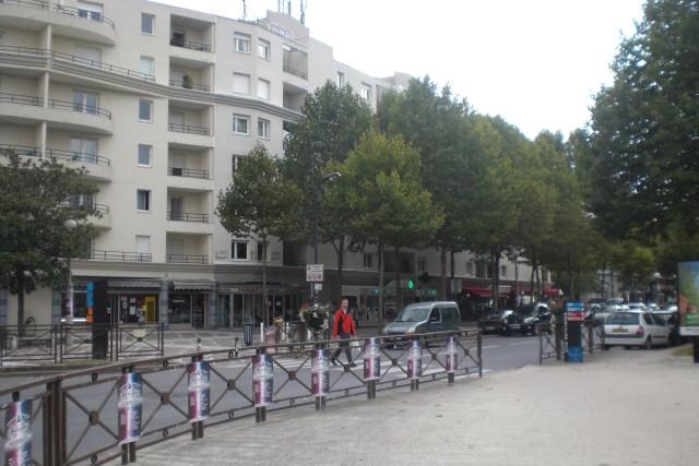 Crossroads & beg. of Av. Ampère