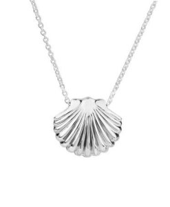 2P61011 Ocean Scallop Pendant (Direction)