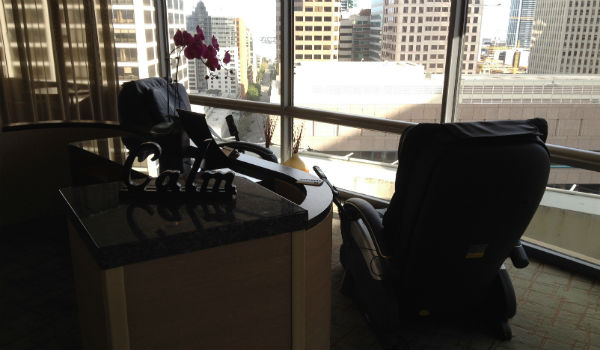 Hyatt Regency San Francisco club lounge massage chairs