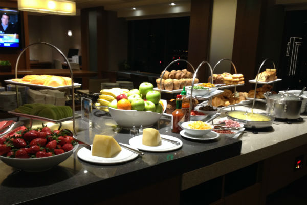 Grand Hyatt Club Lounge Breakfast