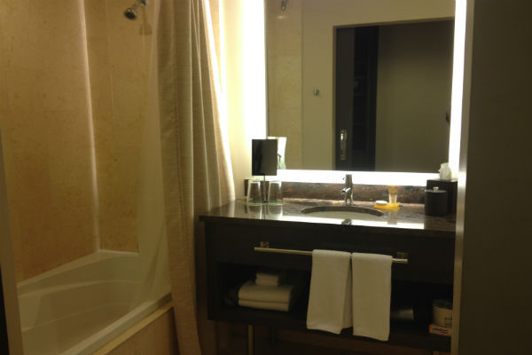 Hyatt Olive 8 bathroom