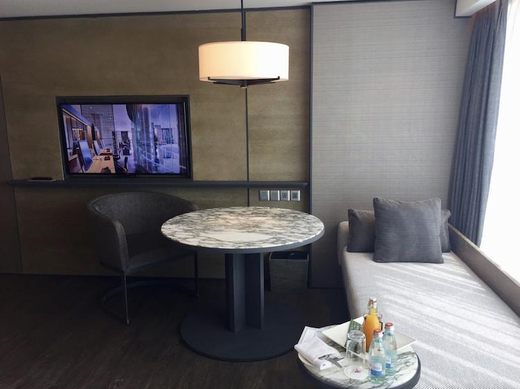 Marriott Yogyakarta club room lounge area