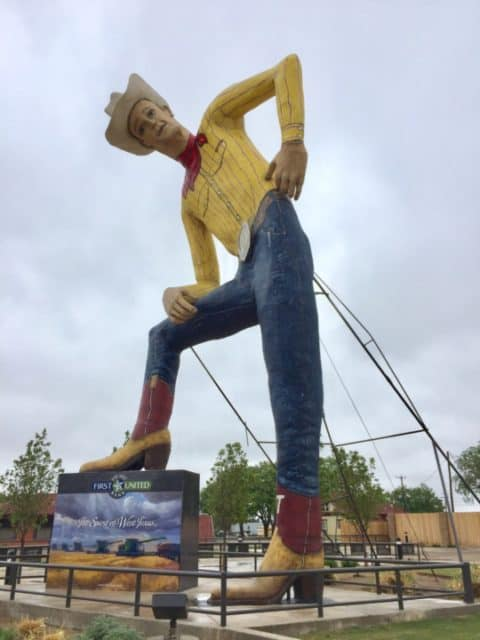 Think you know Amarillo, Texas? Come along with me as I visit my hometown area and show you the top 5 things to do in Amarillo for nostalgia.