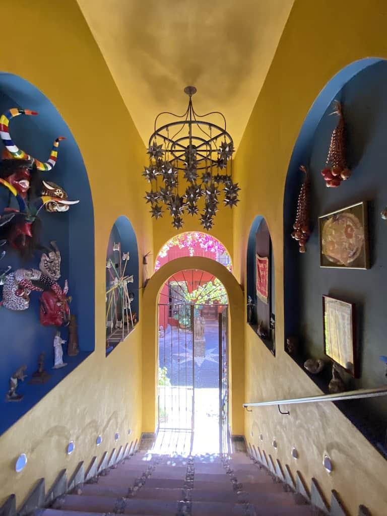 Yellow and blue walls, casa de la cuesta, san miguel de allende, pozos