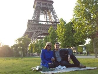 Picnic paris Eiffel Tower