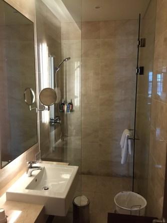 shower room asiana lounge ICN