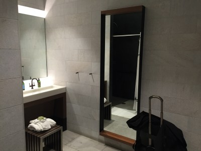 dfw dallas centurion lounge american express review shower