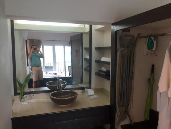 holiday inn phi phi island review hotel resort