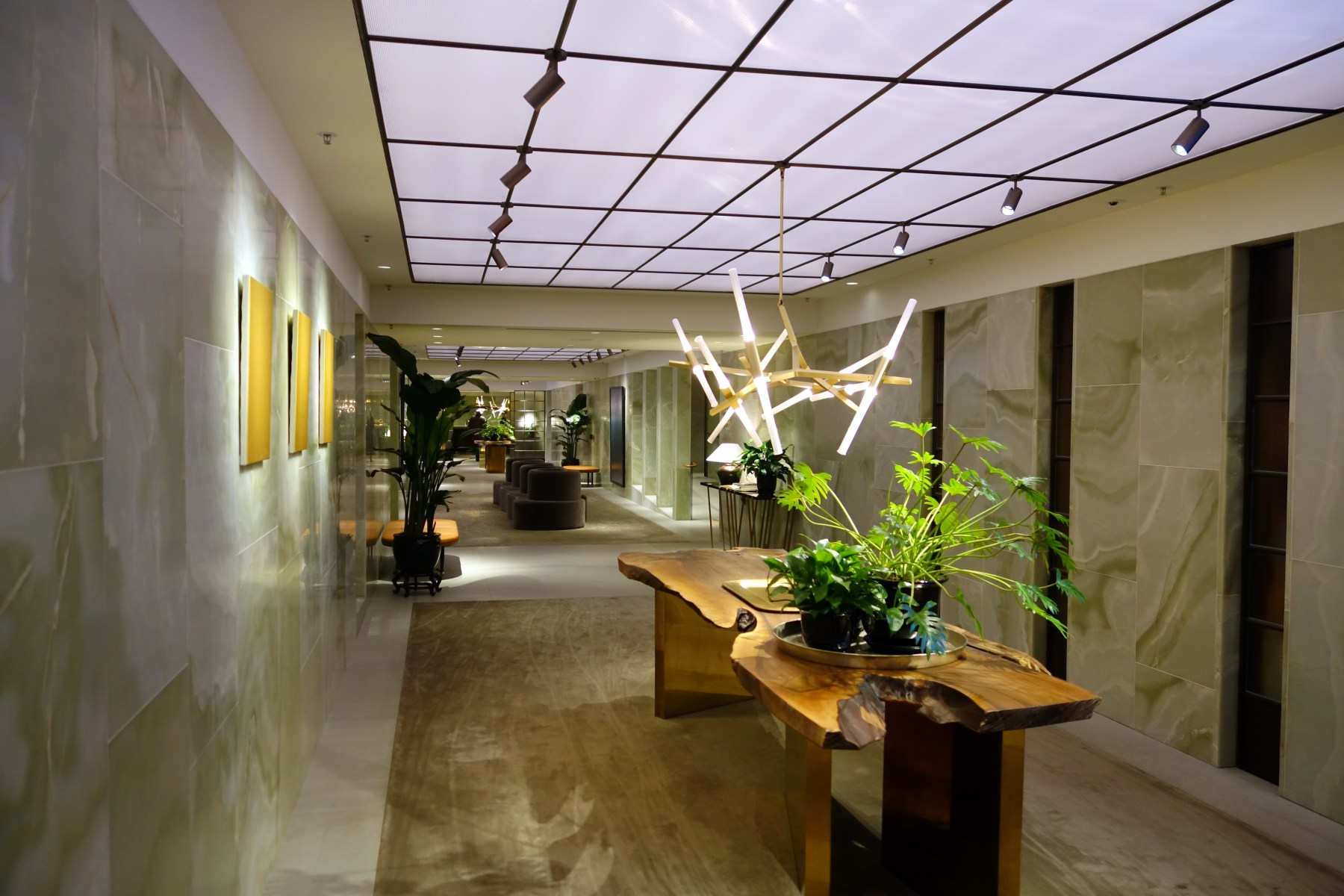 Lounge Review: Cathay Pacific \