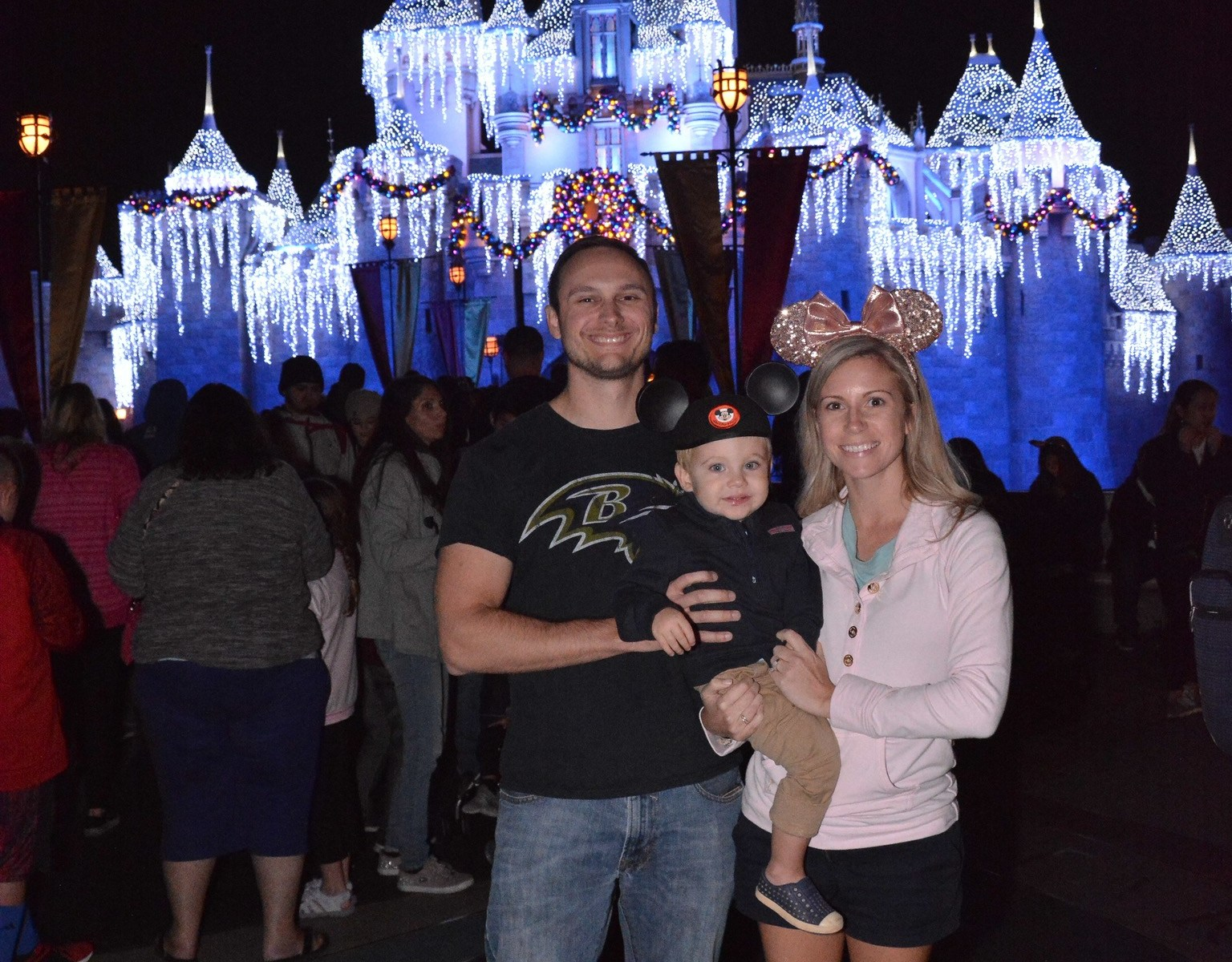 How to save money on Disneyland tickets through AMEX offers!
