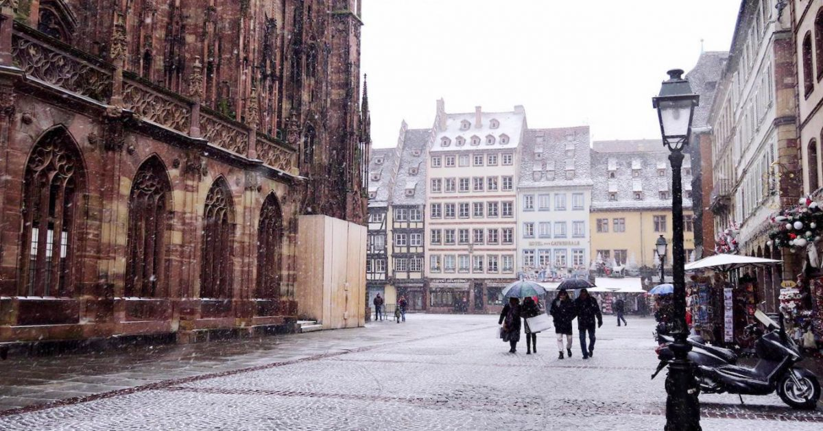 Neige à Strasbourg : la ville retrouve son manteau blanc