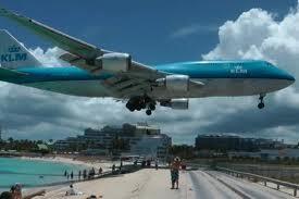 Avion na drumu