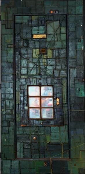 Налазио је на улици и граћевинама старе прозоре, врата, штокове.