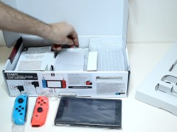 Unboxing-Nintendo-Switch-Pokemon-Millennium-04