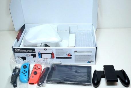 Unboxing-Nintendo-Switch-Pokemon-Millennium-07