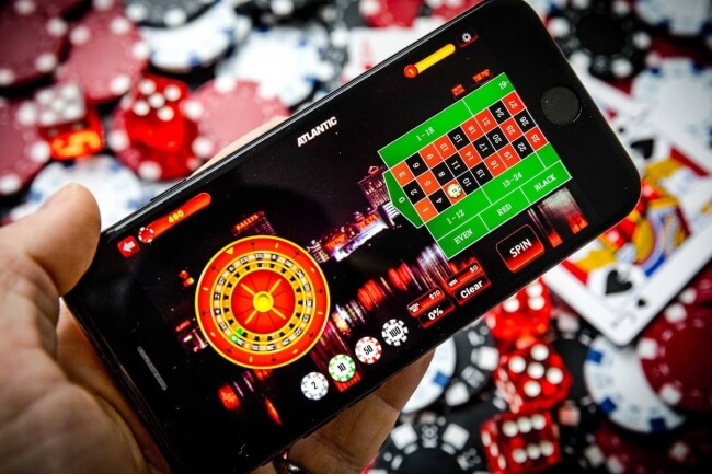 Can I use any mobile to play pokies