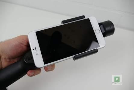 Das Smartphone ist montiert