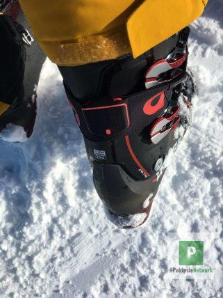 Am Skischuh montiert