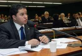DANO IRREPARÁVEL: Efraim Filho vê prejuízo para a economia com internet limitada