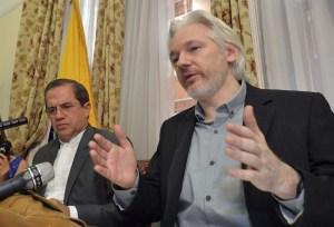 aseenger 300x204 - Google tem mais poder que o Vaticano, diz Julian Assange Assange criador do Wikileaks