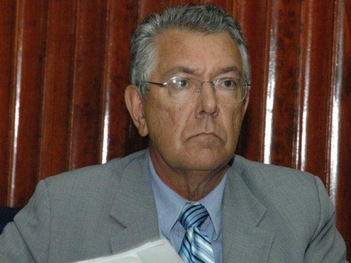 Zenóbio Toscano - Zenóbio Toscano passa mal e é internado em hospital da Unimed, em JP
