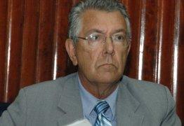 Zenóbio Toscano passa mal e é internado em hospital da Unimed, em JP