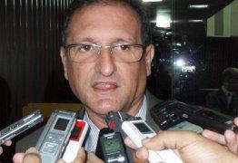 Hervázio coloca 'panos quentes' em revolta de Ricardo Barbosa e defende postura do colega