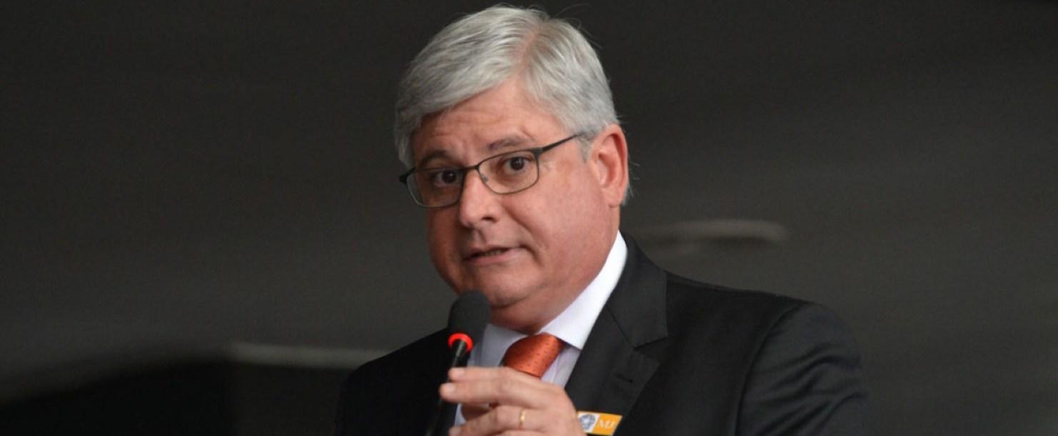 Jose Cruz ABr Rodrigo Janot PGR e1425125355746 - Janot diz que posse de Lula não 'muda nada' e que MP tem 'couro grosso'