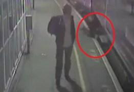 Homem sobrevive após cair embaixo de trem em movimento