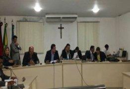 Vereadores pedem afastamento do presidente da Câmara do Conde