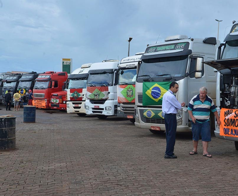 caminhoneiros se preparam para manifestacao em Brasilia e1425434548208 - Como a greve dos caminhoneiros pode dar um fim no governo de Michel Temer