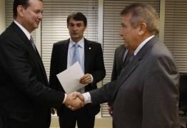 Renato Gadelha se reúne com Ministro das Cidades e discute obra em Sousa