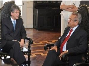 49b2169bd87c9bc5da1eb1496e8cc711 300x224 - Gov. Ricardo visita o senador Maranhão após este anunciar candidatura própria do PMDB e aventar entrega dos cargos
