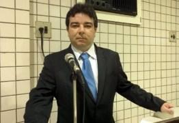 INCONSTITUCIONAL ?  Ministério Público entra com ação cautelar contra posse de Arthur Cunha Lima Filho