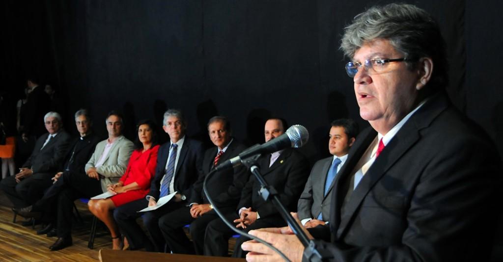 POSSE SECRETARIOS SEC JOÃO AZEVEDO 5 1024x534 - Governo da Paraíba e Sebrae realizam seminário sobre desenvolvimento sustentável