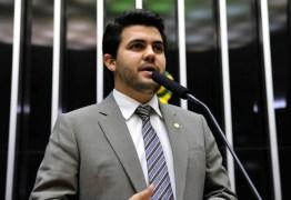 VEJA VÍDEO: Deputado federal Paraibano critica 'loteamento' de ministérios realizado pelo Palácio do Planalto