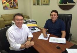 Contrato assinado: Heron Cid vai para Sistema Arapuan de Comunicação