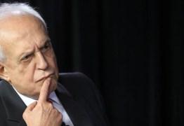 """""""Um pessoal sem escrúpulos comanda o país, diz Jarbas Vasconcelos"""