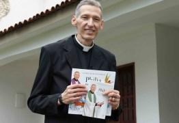 Em lançamento de livro Padre Marcelo Rossi diz: 'Essa magreza é saúde'
